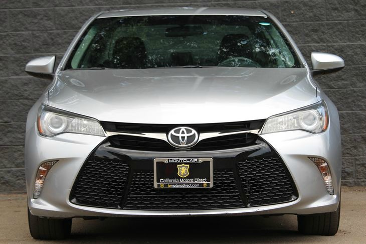 2015 Toyota Camry SE Fuel Economy 25 Mpg City  35 Mpg Highway Celestial Silver Metallic DONT