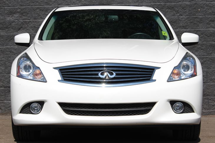 2015 INFINITI Q40 Base  Silver All advertised prices exclude government fees and taxes any fin