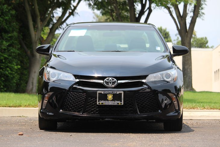 2015 Toyota Camry SE  Attitude Black DONT MISS OUT ON OUR SALES GOING ON RIGHT NOW     COME