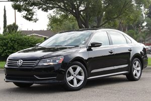 2012 Volkswagen Passat SE Carfax 1-Owner Air Conditioning  Climate Control Air Conditioning  M