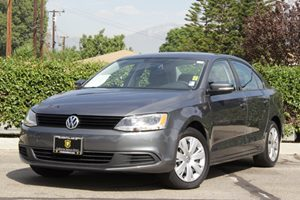 2012 Volkswagen Jetta Sedan SE PZEV Carfax 1-Owner Air Conditioning  AC Audio  Auxiliary Audi