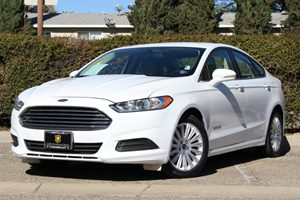 2013 Ford Fusion SE Hybrid Carfax 1-Owner - No Accidents  Damage Reported to CARFAX Air Conditio