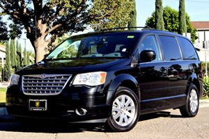 2008 Chrysler Town  Country Touring Carfax Report - No Accidents  Damage Reported to CARFAX Air