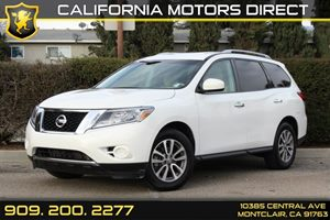 2014 Nissan Pathfinder SV Carfax 1-Owner - No Accidents  Damage Reported to CARFAX  Moonlight