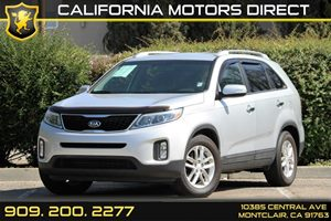 2015 Kia Sorento LX Carfax 1-Owner 5 Person Seating Capacity Audio  AmFm Stereo Audio  Auxil