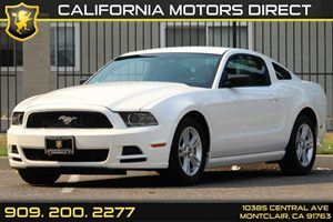 2013 Ford Mustang V6 Carfax 1-Owner - No Accidents  Damage Reported to CARFAX  Performance Whi