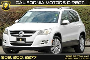 2011 Volkswagen Tiguan SE wSunroof  Navi Carfax Report - No AccidentsDamage Reported Rns315