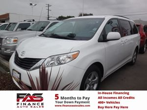 2011 Toyota Sienna LE AAS Carfax Report - No Accidents  Damage Reported to CARFAX  Super White