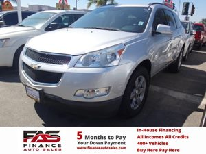 2010 Chevrolet Traverse LT w1LT Carfax Report - No Accidents  Damage Reported to CARFAX  Silv