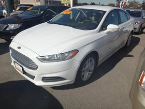 2013 Ford Fusion SE Carfax 1-Owner - No Accidents  Damage Reported to CARFAX  Oxford White  N