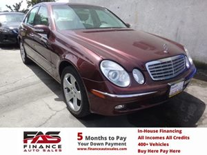 2006 MERCEDES E500 Sedan Carfax Report - No Accidents  Damage Reported to CARFAX  Burgundy  N