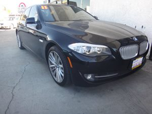 2011 BMW 5 Series 550i Carfax 1-Owner - No Accidents  Damage Reported to CARFAX  Black Sapphir
