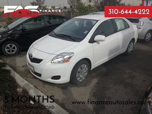 2012 Toyota Yaris  Carfax 1-Owner - No Accidents  Damage Reported to CARFAX  Polar White  Rat