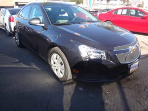 2013 Chevrolet Cruze LS Carfax 1-Owner - No Accidents  Damage Reported to CARFAX  Black Granit