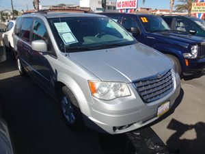 2010 Chrysler Town  Country Touring Carfax Report - No Accidents  Damage Reported to CARFAX
