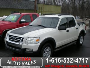 View 2010 Ford Explorer Sport Trac