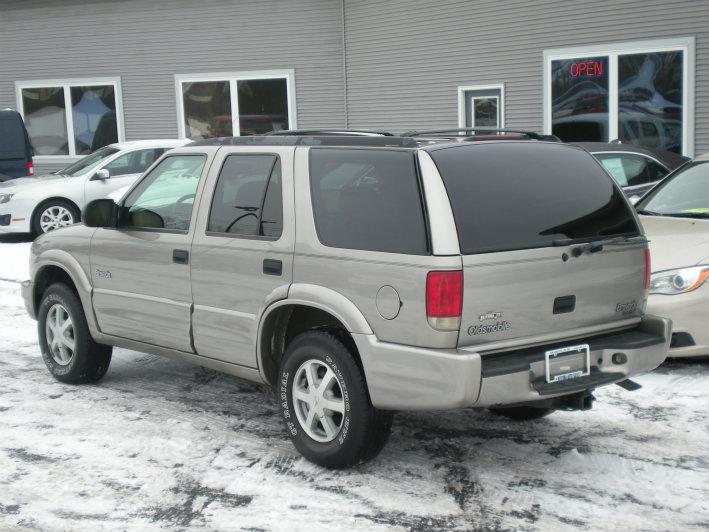 Sold 1999 Oldsmobile Bravada AWD In Grandville