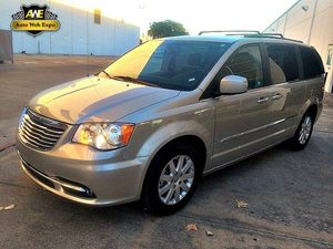 2014 Chrysler Town  Country Touring Carfax 1-Owner - No Accidents  Damage Reported to CARFAX Au
