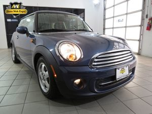 2011 MINI Cooper Hardtop  Carfax Report Audio  AmFm Stereo Audio  Auxiliary Audio Input Audi