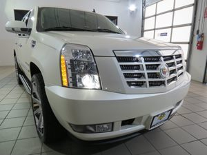 2012 Cadillac Escalade Luxury Carfax Report - No AccidentsDamage Reported Audio  AmFm Stereo