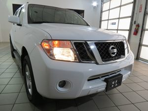 2012 Nissan Pathfinder SV Carfax Report - No AccidentsDamage Reported 3Rd Row 5050 Fold-Flat Sp