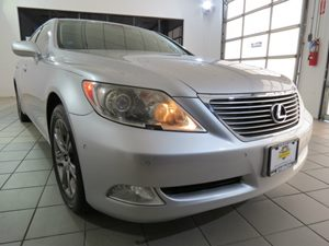 2007 Lexus LS 460 LWB Carfax Report - No AccidentsDamage Reported Audio  AmFm Stereo Audio