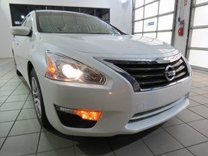 View 2014 Nissan Altima