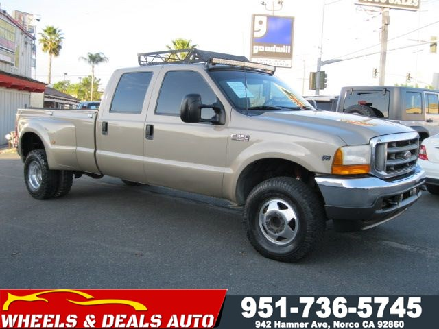 2001 Ford Super Duty F-350 DRW XLT