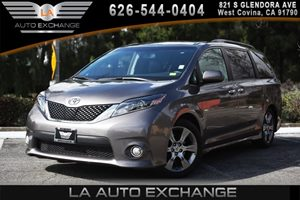 2015 Toyota Sienna SE Carfax 1-Owner - No AccidentsDamage Reported 2 Seatback Storage Pockets 4