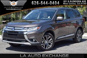 2017 Mitsubishi Outlander SE Carfax 1-Owner - No AccidentsDamage Reported 4 Cylinders Air Condi