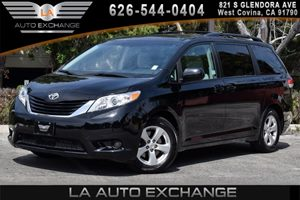 2014 Toyota Sienna LE AAS Carfax 1-Owner - No AccidentsDamage Reported 6 Cylinders Air Conditio