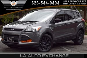 2014 Ford Escape S Carfax 1-Owner - No AccidentsDamage Reported 4 Cylinders Air Conditioning