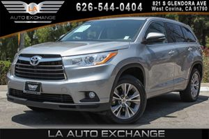 2014 Toyota Highlander LE Plus Carfax 1-Owner - No AccidentsDamage Reported 6 Cylinders Conveni