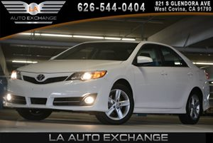 2014 Toyota Camry SE Carfax 1-Owner - No AccidentsDamage Reported 5 Person Seating Capacity Bod