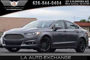 2014 Ford Fusion SE Carfax 1-Owner - No AccidentsDamage Reported 2 Seatback Storage Pockets 3 1