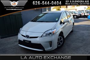 2014 Toyota Prius Three Carfax 1-Owner  Super White 19646 Per Month -ON APPROVED CREDIT- -