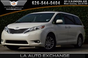 2016 Toyota Sienna XLE Carfax 1-Owner - No AccidentsDamage Reported  White  We are not respon