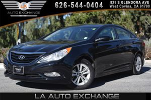 2013 Hyundai Sonata GLS Carfax 1-Owner - No AccidentsDamage Reported 2 Center Console Mounted
