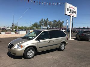 View 2005 Chrysler Town & Country