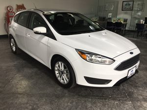 2015 Ford Focus SE Carfax 1-Owner - No AccidentsDamage Reported  Oxford White  All advertised