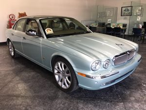 2007 Jaguar XJ XJ8 Carfax Report - No AccidentsDamage Reported  Frost Blue  All advertised pr