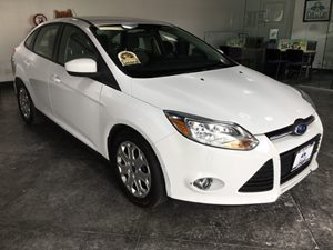 2012 Ford Focus SE Carfax 1-Owner - No AccidentsDamage Reported  Oxford White  All advertised