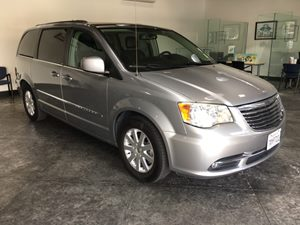 2013 Chrysler Town  Country Touring Carfax 1-Owner - No AccidentsDamage Reported  Billet Silv