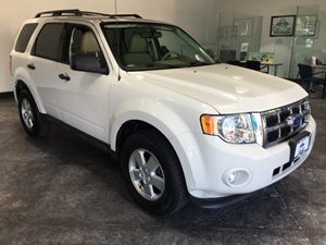 2011 Ford Escape XLT Carfax 1-Owner - No AccidentsDamage Reported  Oxford White  All advertis