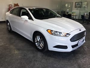 2013 Ford Fusion SE Carfax 1-Owner - No AccidentsDamage Reported  Oxford White  All advertise