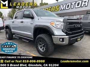 View 2017 Toyota Tundra CrewMax 4X4 V8 5.7L LIFTED