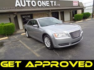 2014 Chrysler 300  Carfax Report Parkview Rear Back-Up Camera Radio Uconnect 84N AmFmDvdSd