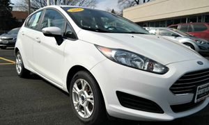 View 2016 Ford Fiesta