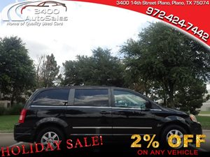 View 2010 Chrysler Town & Country