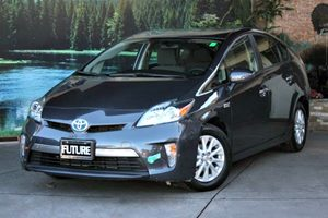 View 2013 Toyota Prius Plug-In
